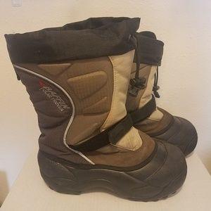 Baffin Womans Black/Tan Winter Boots Size 7